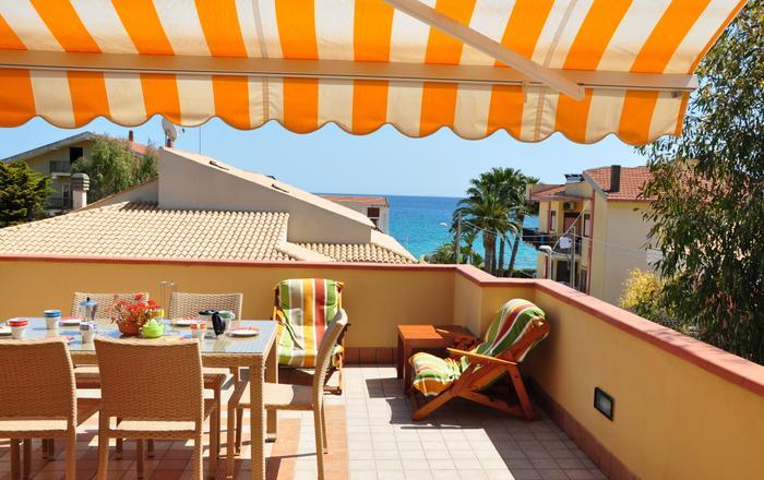 Apartment Eucaliptus, sea view, 40mt from beach, Avola