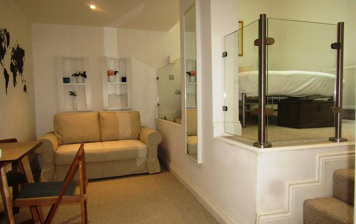 Cosy Modern Room  & Private En-suite (2), London
