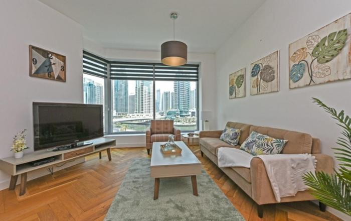 Cosy Furnished 2BR with Marina Views, Dubai