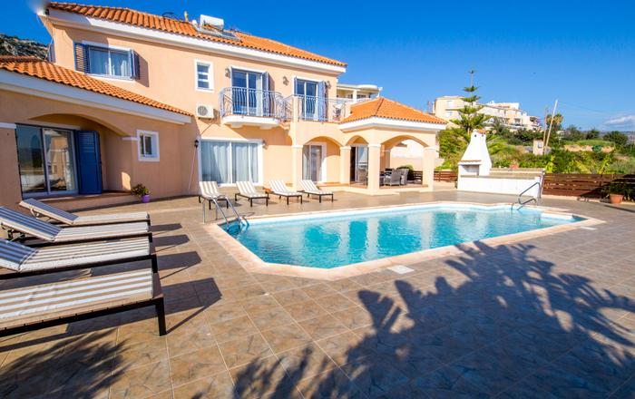 Villa Sanctuary, 4 bed luxury villa, stunning panoramic views, private pool, hot tub, huge pool patio, covered games area, sleeps up to 10, Peyia