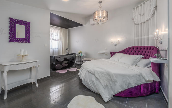 Love Apartment, Medulin