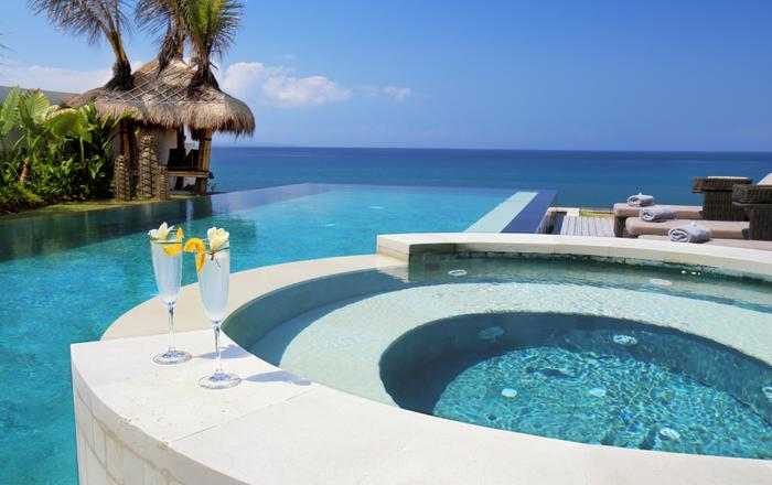 Villa Rosita - The Perfect Luxury Beachfront Escape, Tegal Besar Beach