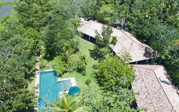 Beautiful villa bordered by rice fields, Talpe