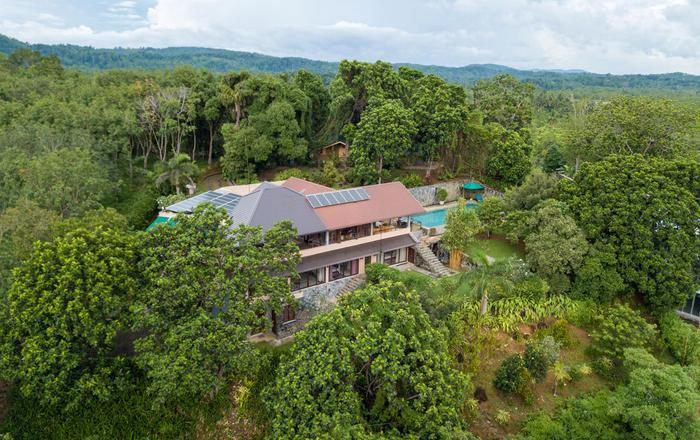Lovely four bedroom villa overlooking Koggala Lake, Koggala