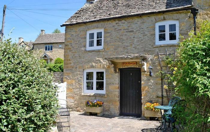 Pixie Cottage, Bourton-on-the-water
