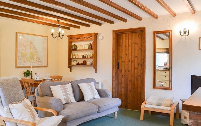 Wheatsheaf Cottage - 80021, Scarborough
