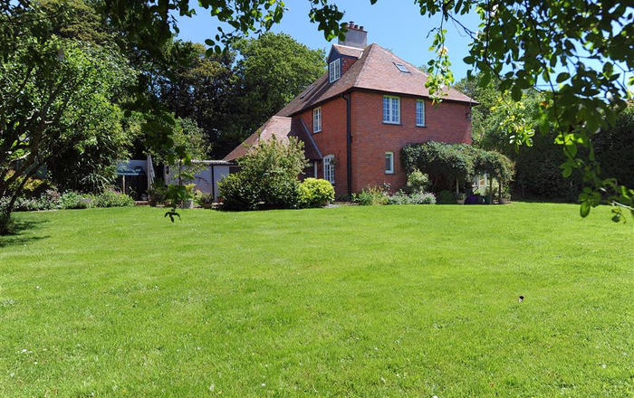 1 Home Farm Cottages, Rousdon