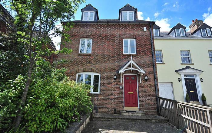1 Woodroffe Meadow, Lyme Regis