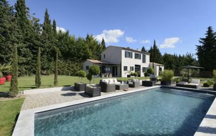 La Bienvenue, Arles