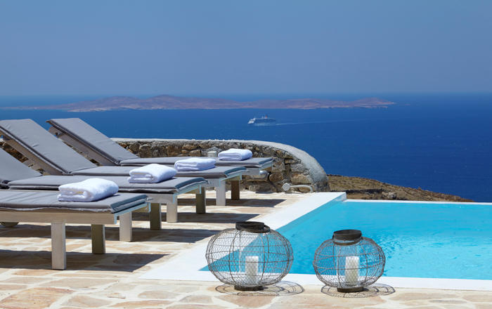 Villa Eunike, Agios Stefanos Area