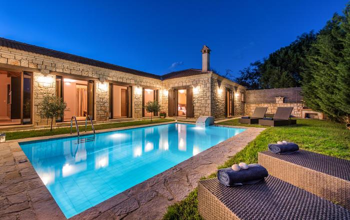 Villa Cascadia, Planos Tsilivi Area