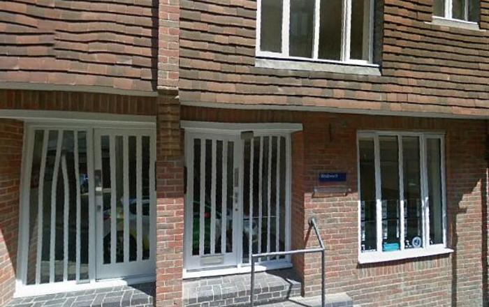 Flat A, 6 St. Clement Street, Winchester