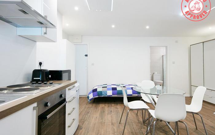 Charmstay Apartments #5, Londra