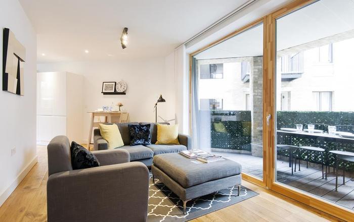 The Shalfleet Drive Apartment, Londra