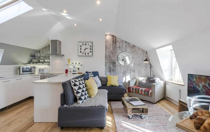 Two Bedroom Penthouse Kings Cross, Londra