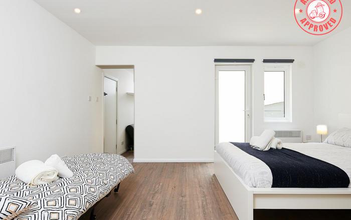 Charmstay Apartments #4, Londra