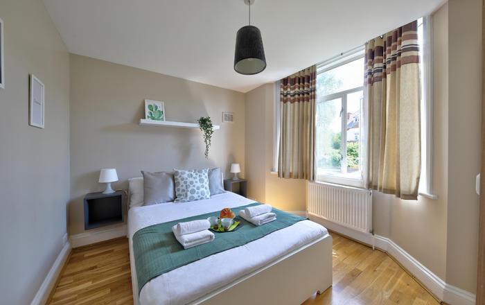Esse Apartment #6, Londra