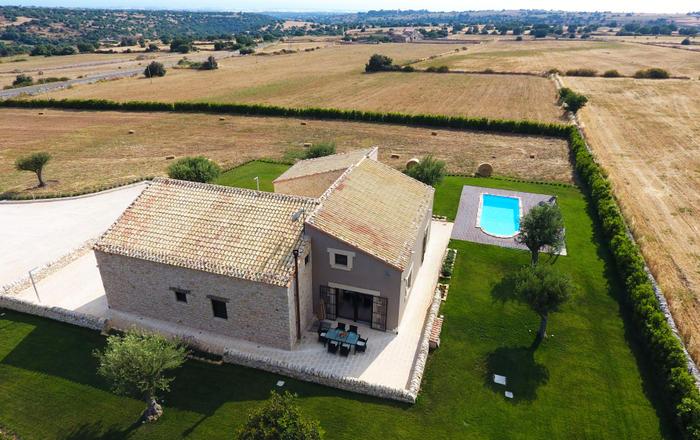 Villa Barocco - 4 Guests, Ragusa