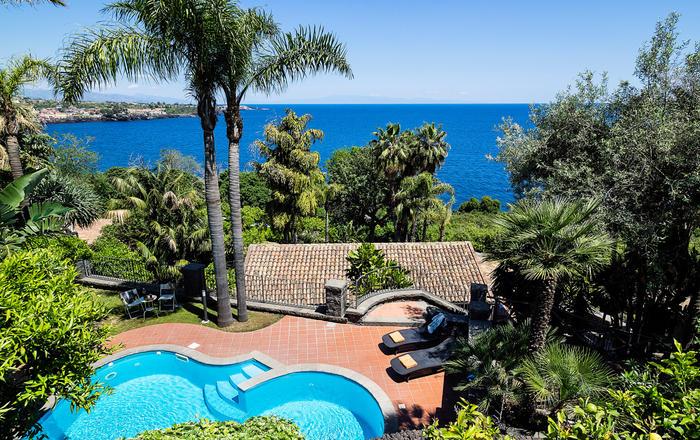 Villa Acireale - 6 Guests, Catania Area, Sicily