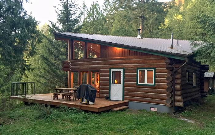 Pet Friendly Log Cabin, Glacier