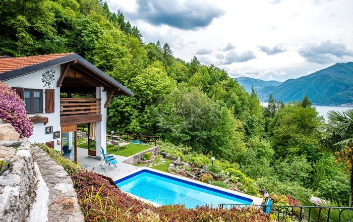 Villa Rosch, Lezzeno