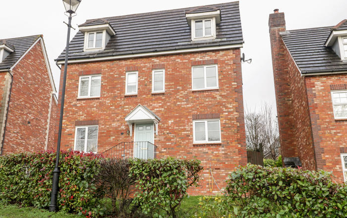 2 Alcove Wood, Chepstow
