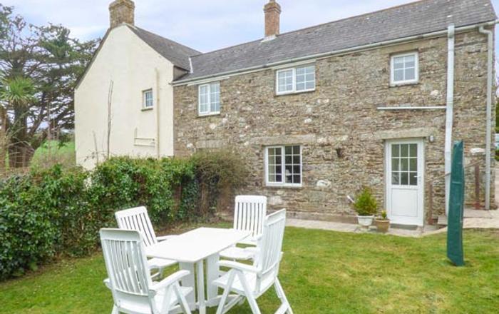 Hayloft Cottage, Looe