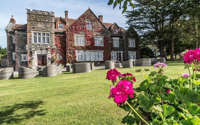 Alston Hall, Plymouth