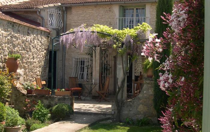La Nathalie, Les Baux-de-provence