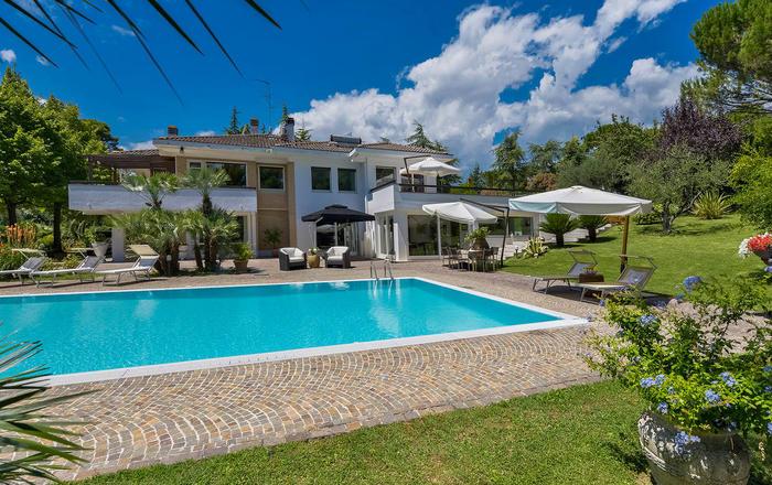 Villa Cameo,