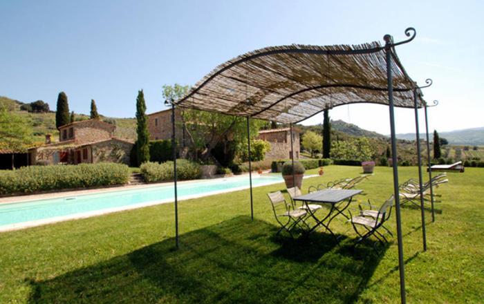 Villa Brunello + Annex, Montalcino