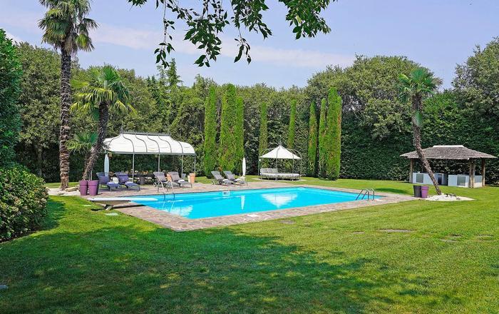 Villa Genoa, Dezenzano Area, Lake Garda