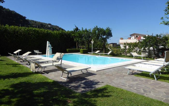 The Lemon Grove - Gallo, Sorrento
