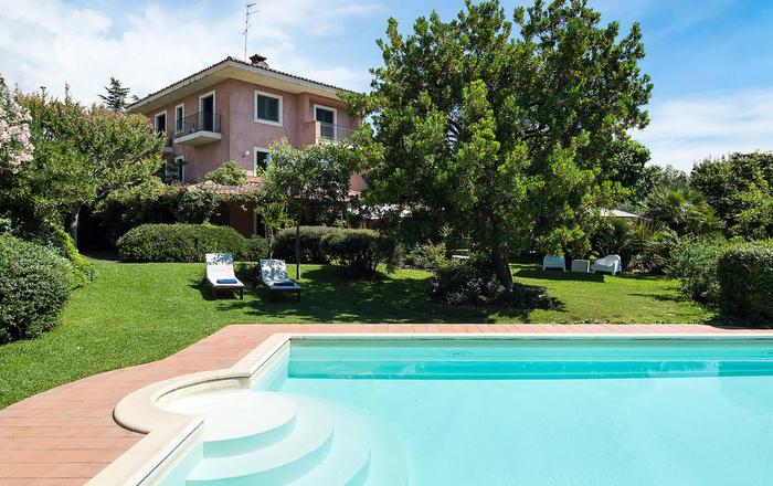 Villa Etnarosea - 12 Guests, Trecastagni