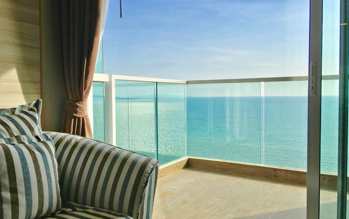 Dasiri Cetus 1BR Beachfront Condo 27th Floor, Muang Pattaya