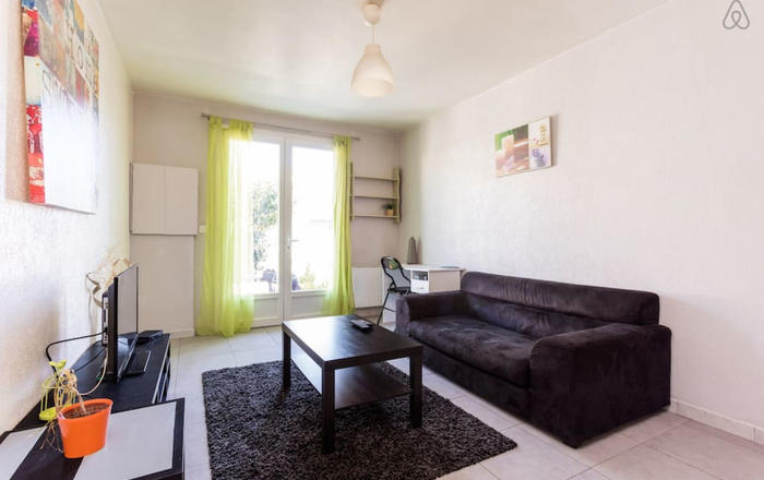 Ideal Flat: garden & quiet street at Rives-du-Lez, Montpellier