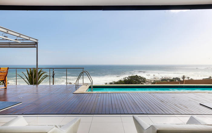 Luxurious apartment with superb views in Camps Bay, Cape Town