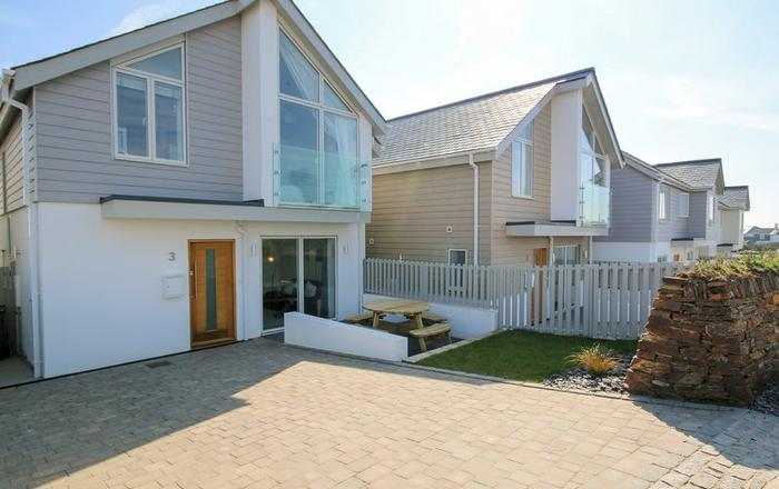 3 The Sands, Polzeath