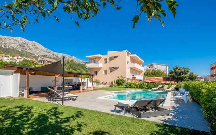 Villa Ina,