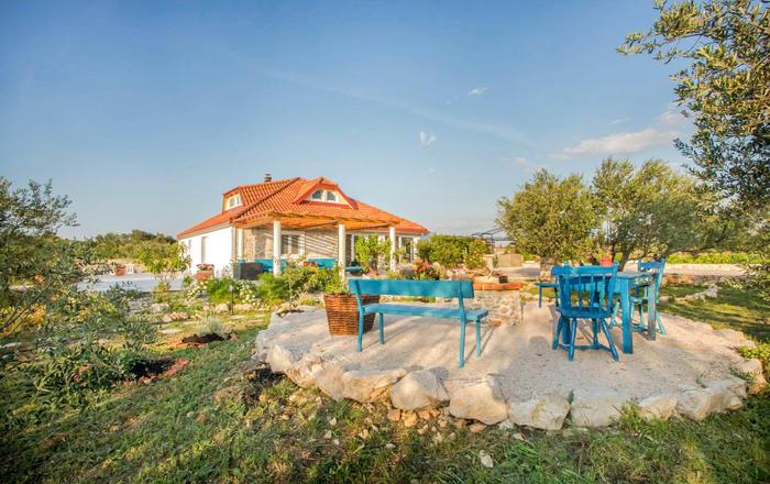 Villa Smeda, Vodice