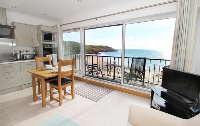 Redcliffe Apartments, Caswell