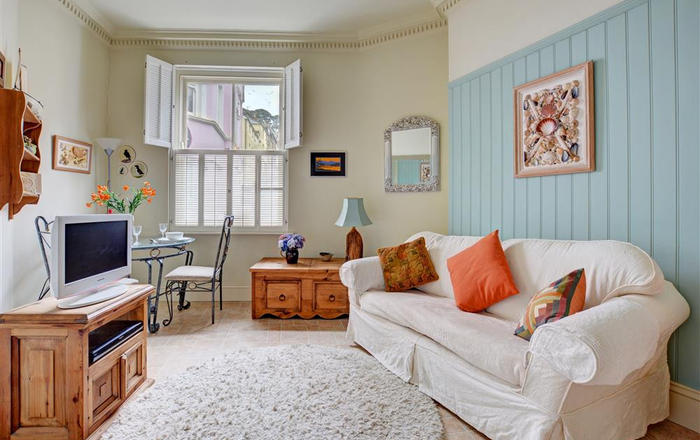 Varco, 1 Marina Apartments, Fowey