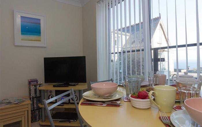 Catalonia-Mia, 6 Lyonesse Apartments, St  Ives