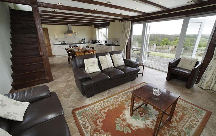 Llanelen Farm, Sleeps 6, Gower