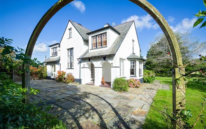 The Corner House, Pwllheli