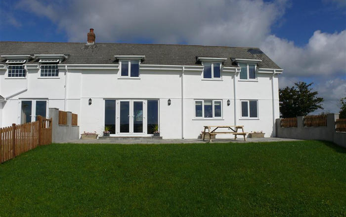 Llanelen Farm, Sleeps 4, Gower