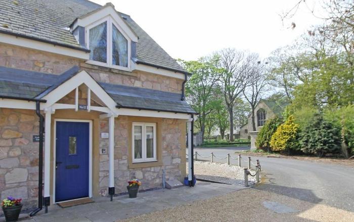 Cuthbert Cottage, Beadnell