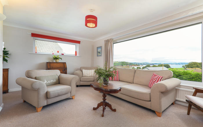 The Pink Beach Bungalow, Broadsands, Paignton