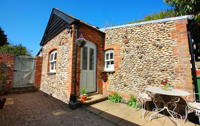 Courtyard Cottage, Stiffkey