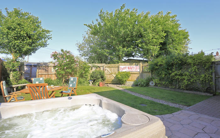 6 Lodge Cottages, Bedfield